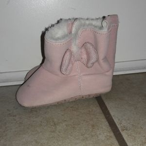Baby girl sz 6-9mths Carter pink boots like new